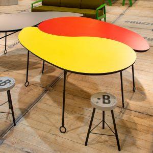 BuzziVirgule Table