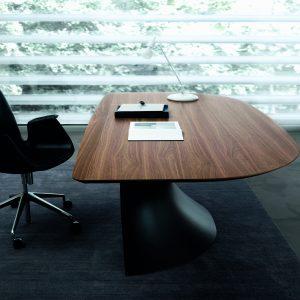 Ola Executive Desk