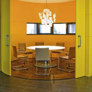 Spira Meeting Table