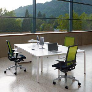 Temptation Four Desks + Sedus Desk Screen