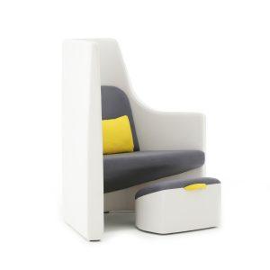 Vee Chair